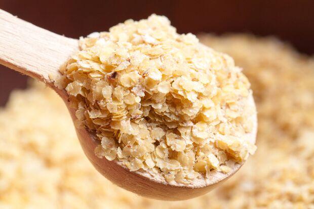 100 Gramm Weizenkleie enthalten 590 Milligramm Magnesium
