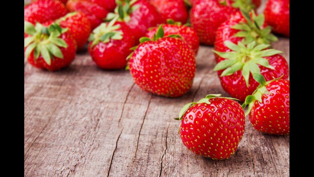 38_sh_Erdbeeren_Lebensmittel_mit_niedriger_Energiedichte_800x533_109833536.jpg