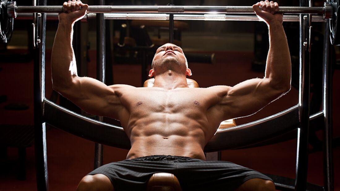 4-Wochen-Trainingspläne für eine breite Brust