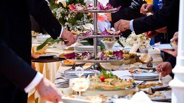 Achtung: Auch verkochter Alkohol im Essen kann rückfällig machen