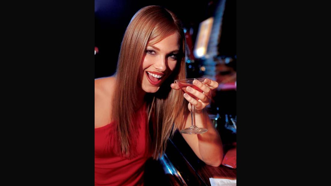 """Alkohol: """"Frauen-schön-trinken"""" funktioniert nicht"""