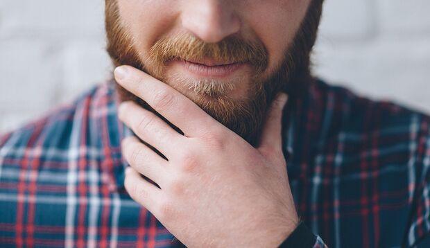 Am Bart fummeln: Macken sind harmlos und so ziemlich bei allen Menschen vertreten