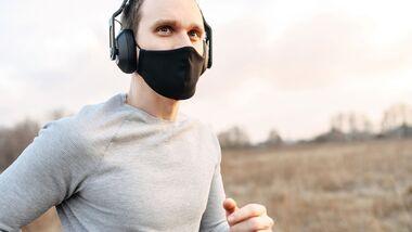 An das Joggen mit Maske muss man sich erst gewöhnen