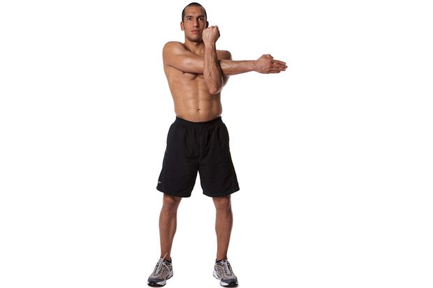 Arm- und Schulterdehnen mit gestrecktem Arm