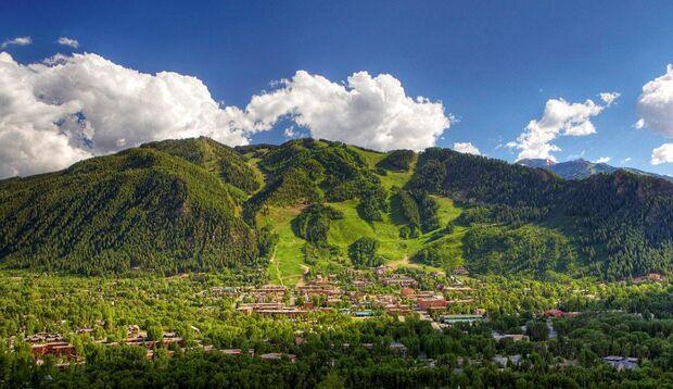 Aspen liegt mitten in den Rocky Mountains und gilt als reichster Ort der USA
