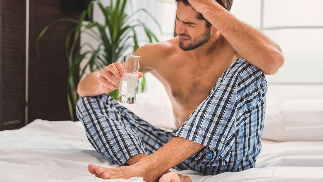 Aspirn hilft gegen Kopfschmerzen, verlangsamt aber den Alkoholabbau