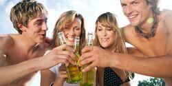 Auch mit alkoholfreiem Bier lässt sich am Strand gut feiern