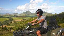 Auf Quads durch die Hügel von Mauritius