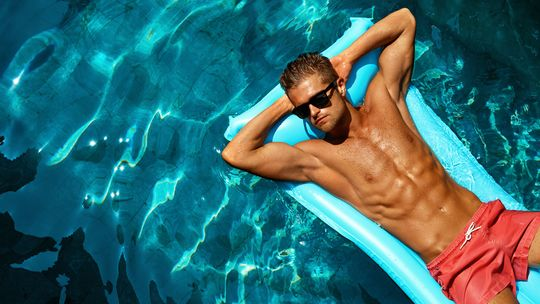 Auf dem Wasser ist die Sonneneinstrahlung verst?rkt, Sonnenbrand droht!
