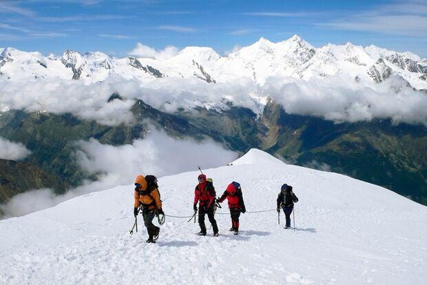 Auf dem Weg zum Weissmies-Gipfel