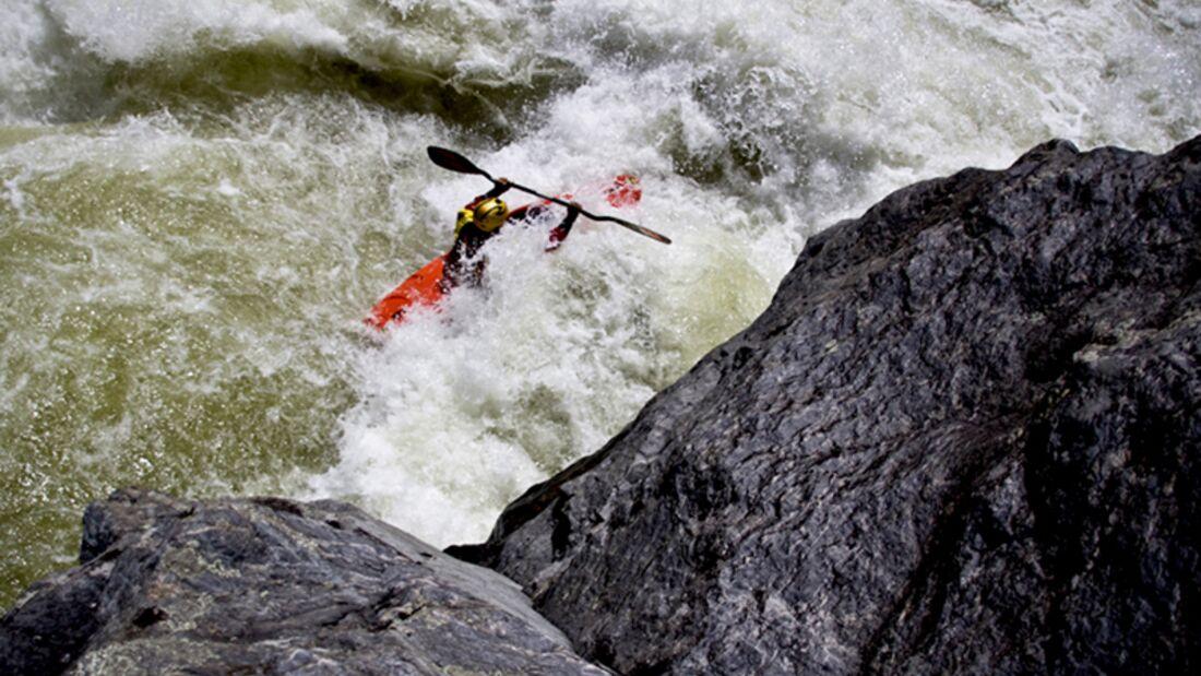 Auf der Suche nach der perfekten Linie: Olaf Obsommer und sein Team zeigen ihre besten Wildwasser-Kajak-Bilder