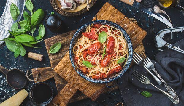 Aufgewärmte Pasta vom Vortrag hat tatsächlich weniger Kalorien als die frisch gekochte Variante
