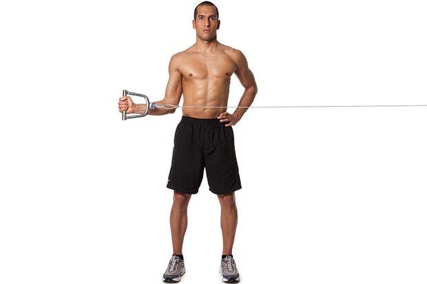 Außenrotieren der Schulter am Kabelzugturm