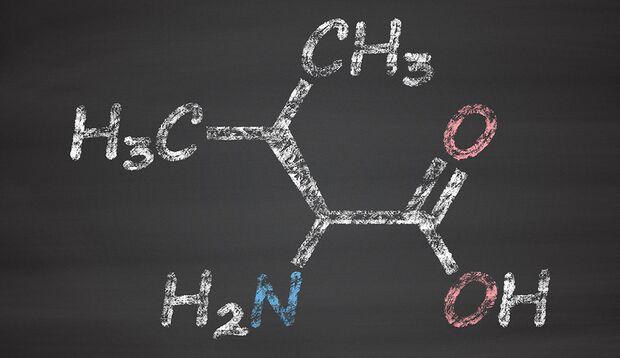 BCAAs – im Bild das Beispiel Valin – sind verzweigtkettige Aminosäuren