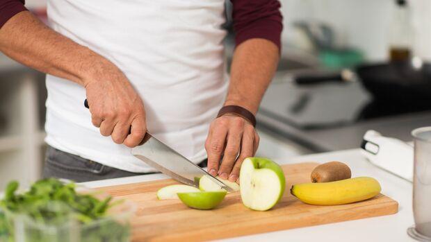 Bananen und Äpfel sind sättigende Lebensmittel