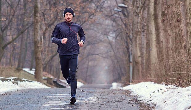 Bedeckt halten: So bleiben Sie beim Laufen bei Kälte länger warm