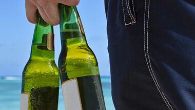 Bei Hitze trinken Männer gern Bier-Mix Getränke