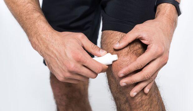 Bei Prellungen helfen kühlende Sportsalben