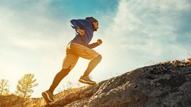 Bergaufläufe sind gut für den Knochenaufbau und beugen so Osteoporose vor