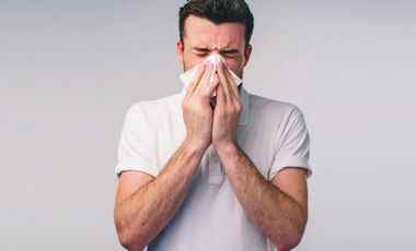 Besser, du bekämpfst deine Erkältung mit Hausmitteln.
