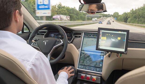 Bosch arbeitet zusammen mit Navigationshersteller TomTom an hochpräzisen Karten