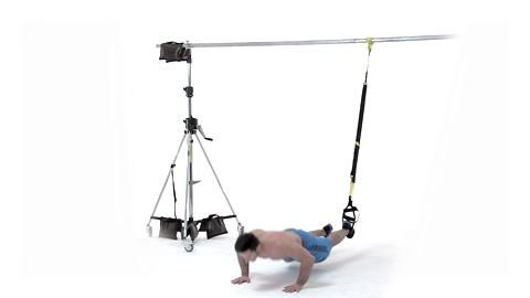 Burpees im Schlingentrainer sind Profi-Übungen des Tabata-Workouts, die den ganzen Körper trainieren. Dieses Workout verbrennt in nur 16 Minuten pro Tag Ihre restlichen Fettreserven.
