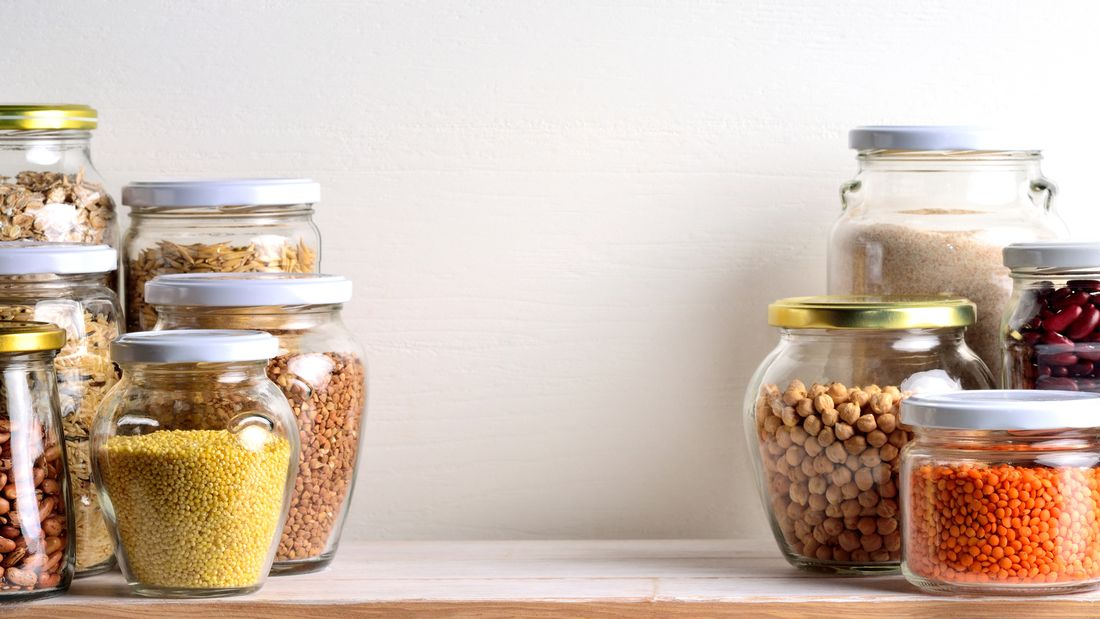 Clever einkaufen und kochen: Mit unseren 10 Must-haves im Küchenschrank