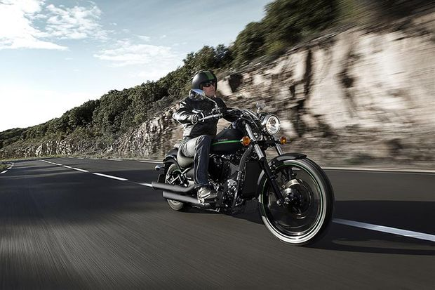 Cruiser und Chopper 2015 / 2016: Kawasaki Vulcan 900 Custom