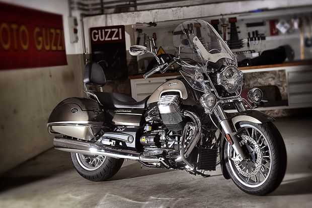 Cruiser und Chopper 2015: Moto Guzzi California Touring SE