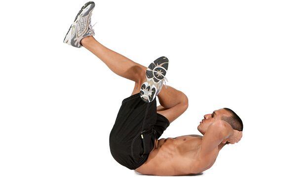 Crunches mit überkreuzten Beinen