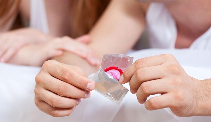 Stecken rausziehen kondom geblieben beim enenalri: Kondom