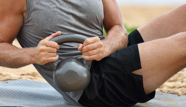 Dank der seitlichen Bauchmuskeln haben Sie in Bewegung den Dreh raus