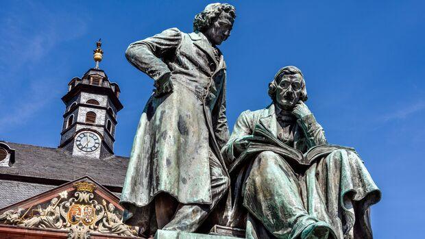 Das Brüder-Grimm-Denkmal in Hanau. Hier liegt der Startpunkt der Tour auf der Deutschen Märchenstraße