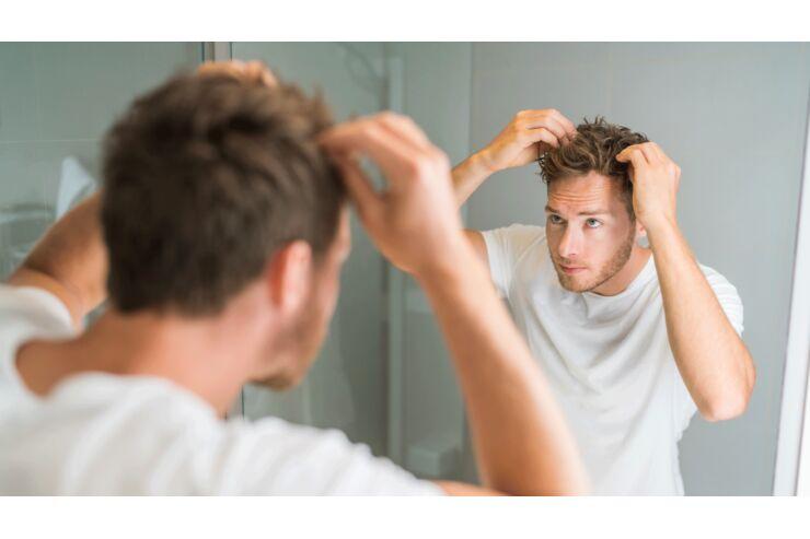 Juckende Kopfhaut: Das hilft!   MENS HEALTH