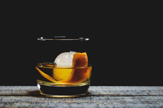 Der Old Fashioned ist der Urtyp der Cocktails