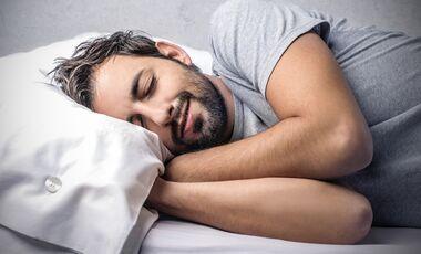 Der gut schläft, isst gesünder