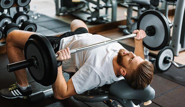 Der kleine Brustmuskel wird oft wenig trainiert