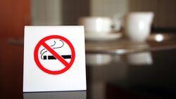 Der plötzliche Rauchstopp kann kurzzeitig Geschwüre im Mund auslösen
