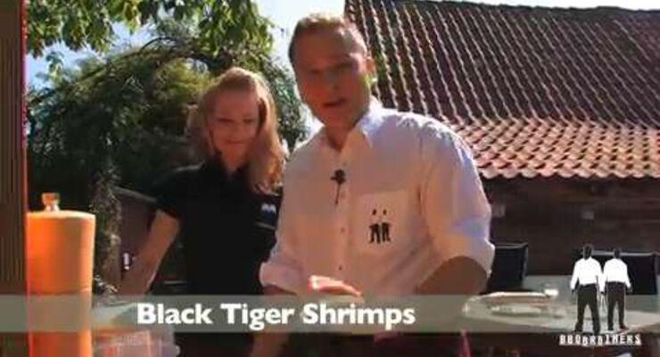 Die BBQ Brothers grillen Black Tiger Shrimps