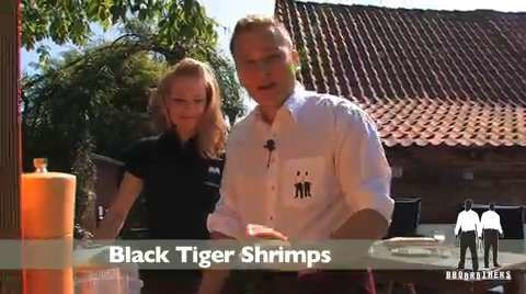Die BBQ Brothers grillen Black Tiger Shrimps