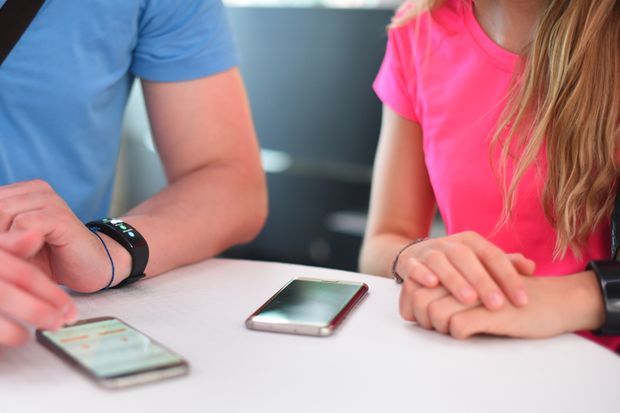 Die Gear Fit 2 synchronisiert sich mit jedem aktuellen Android-Smartphone
