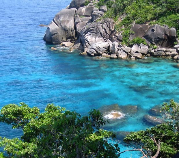 Die Küste der Similan Inseln