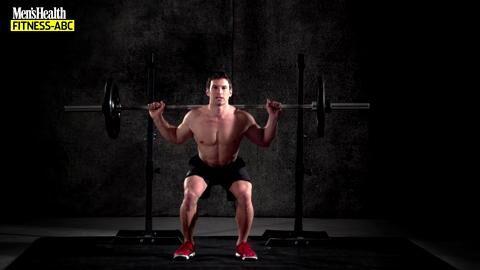 Die Langhantel-Kniebeuge ist nicht nur die Top-Übung für die gesamte Beinmuskulatur, sondern auch eine hervorragend für Bauchmuskeln, Rückenstrecker und den Schultergürtel.