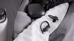 Die kabellosen In-Ears der Apple-Tochter Beats empfehlen sich als leistungsstarke Sportkopfhörer