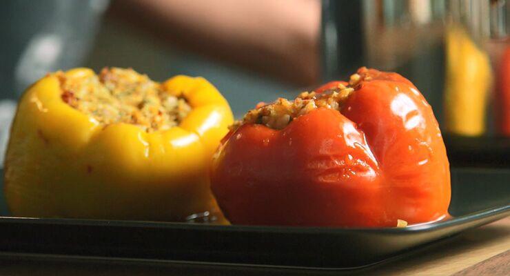 Die leckersten gefüllten Paprika aller Zeiten - natürlich vegan