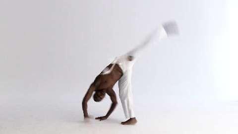 Die wichtigsten Capoeira-Übungen: Meia-Lua de Compasso