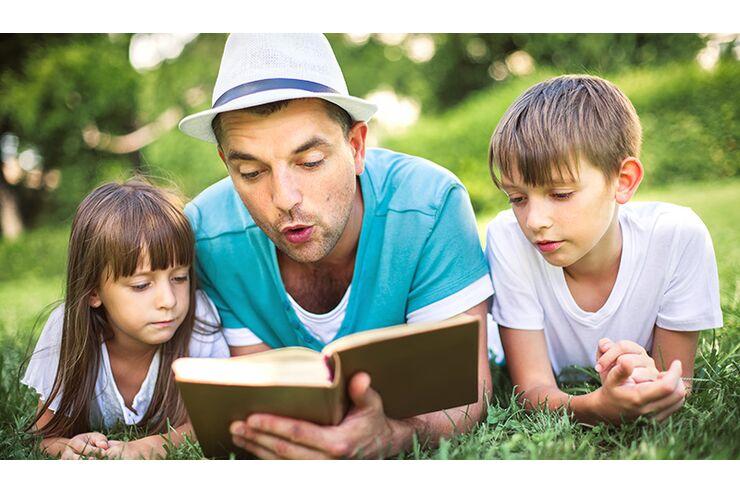 Die besten Bücher für Väter   MENS HEALTH