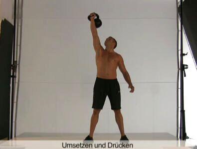Diese Übung mit Körperspannung trainiert den unteren Rücken, Po, Oberschenkel (Clean) sowie Schultern und den seitlichen Rumpf (Press).