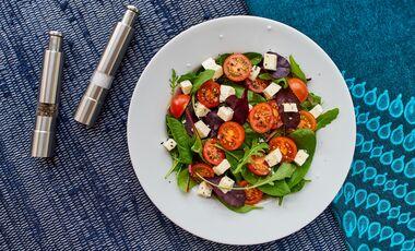 Diese Zutaten verwandeln deinen Salat in einen Proteinsalat