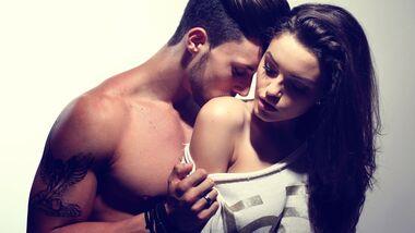 Diese heißen Küsse machen sie willig